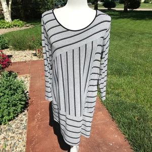 Vince Camuto Black & Gray Stripped Tunic (M)